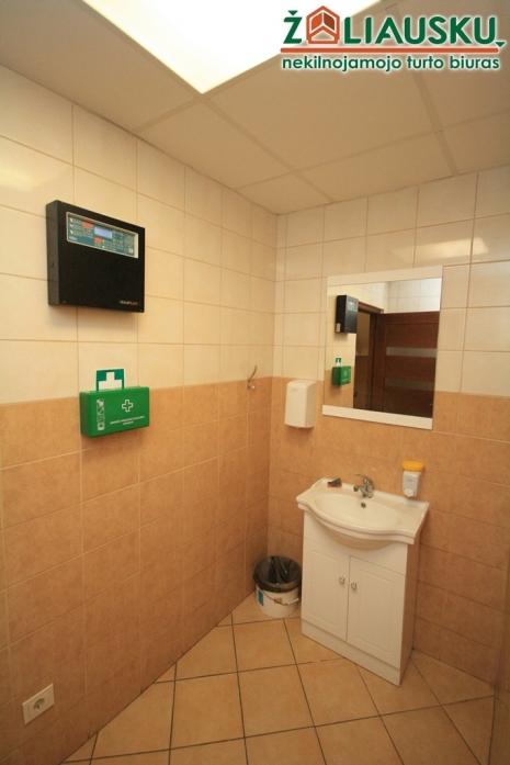 Išnuomojamos erdvios, šviesios, naujai įrengtos patalpos 75 kv.m centre, Varpo g. 53A
