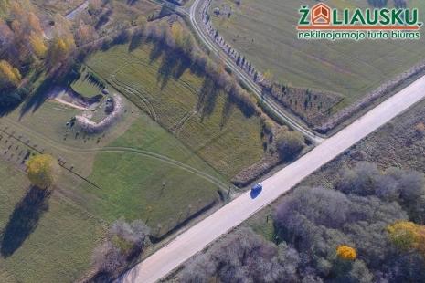 56 arų žemės klypas su tvenkiniu prie miško Vaišnorių k.